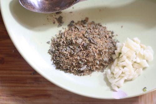 Garlic and spice