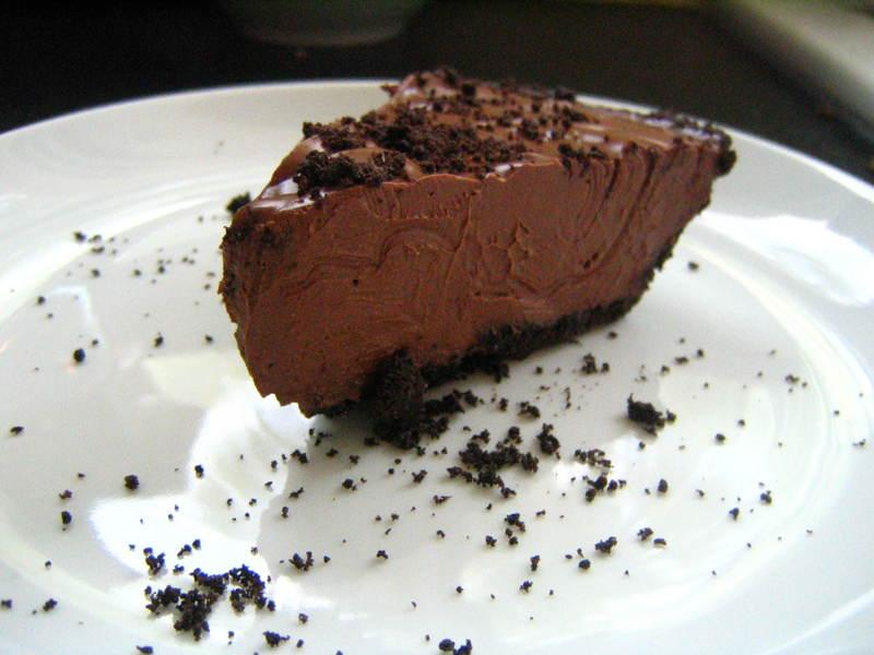 Easy Peasy Chocolate Pie - Your Vegan Mom